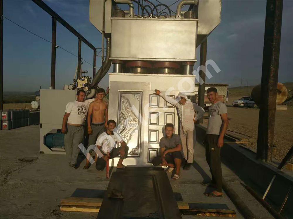 新利LB快乐彩新利18登录HARSLE钢门压花机在乌兹别克斯坦的安装